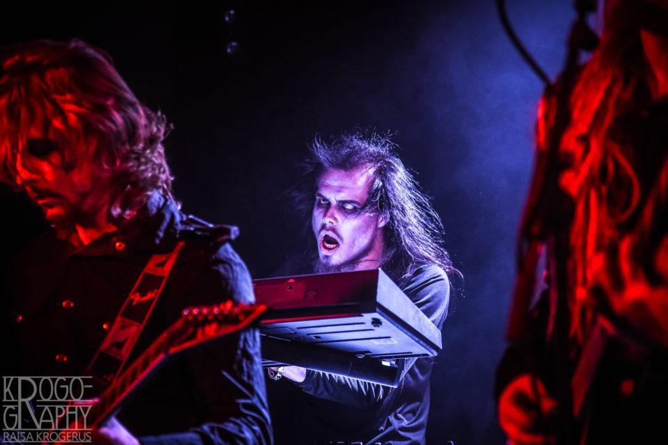 Drearyymin kosketinvelho Eero Ahosen tyylinäytteitä Yo-talolta 12.10.2018.