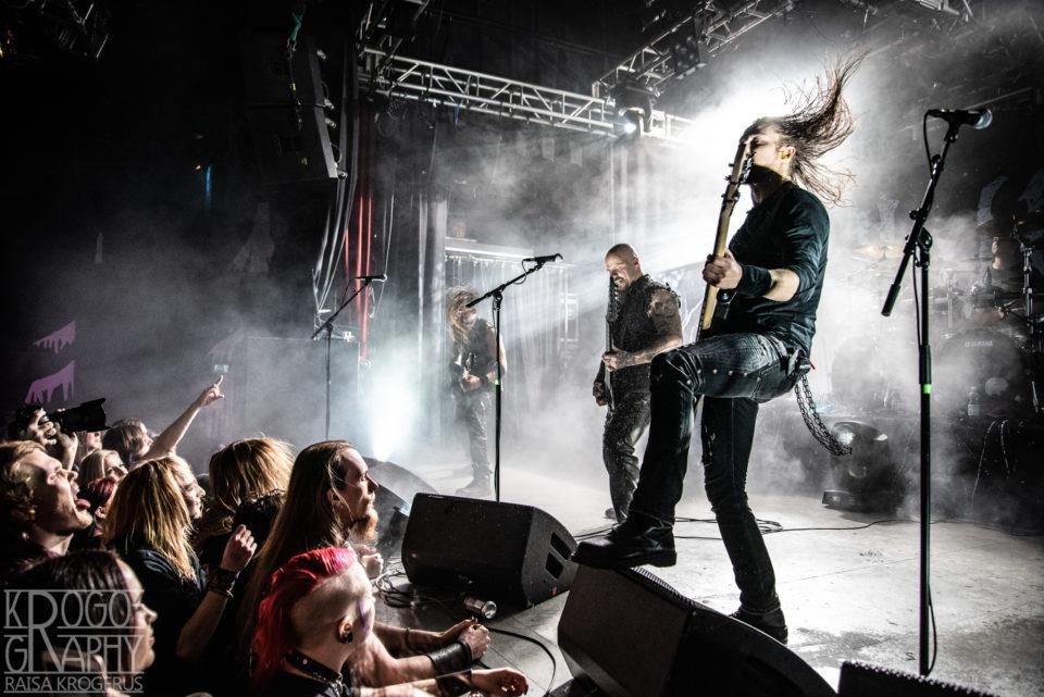 Constellation of the Black Lighting kappaleet upposivat livenä Nosturin yleisöön.